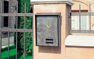 Metal post box Tocco Di Italia