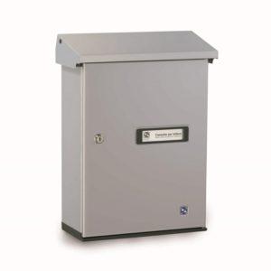 Front view of Moda Italiana Serenissima Silver Aluminium Letterbox